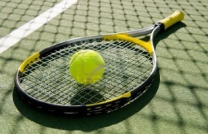 raqueta y pelotita