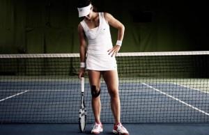 tennis-devushka-setka-raketka