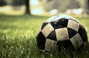 makro-trava-gazon-futbol-igra