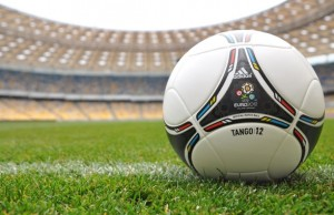 tango-12-ball-euro-2012