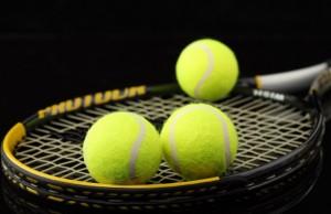 tennis-raketka-myachi-makro