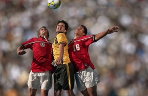 soccer_players_in_action-wallpaper-1024x768